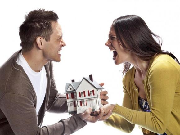 Как поделить квартиру, купленную на деньги одного из супругов?